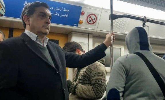 حناچی امروز با مترو و تاکسی به شهرداری رفت