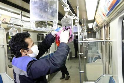 عملیات ضدعفونی کردن متروی تهران