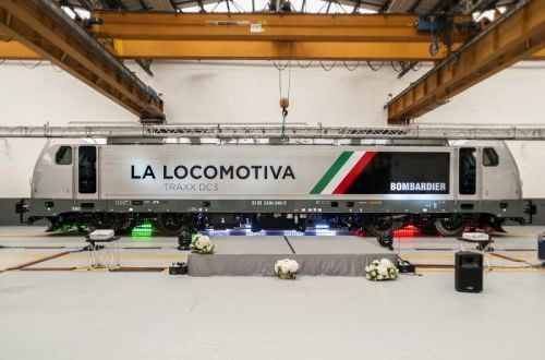 Bombardier shows off new Traxx locomotive
