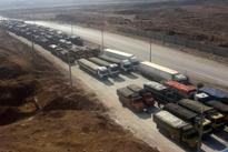 عکس| بلاتکلیفی 500 کامیون حامل سیبزمینی در مرز پرویزخان