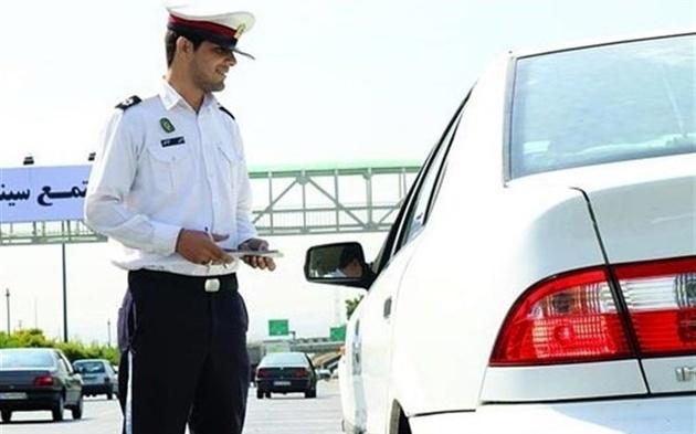 جریمه ۱۰۰ هزار تومانی استفاده از تلفن همراه حین رانندگی