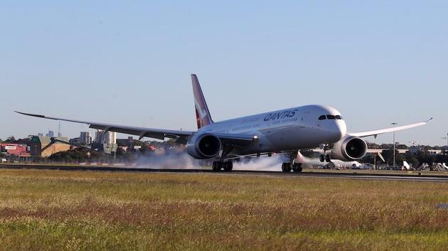 Qantas Completes Test of World's Longest Commercial Flight