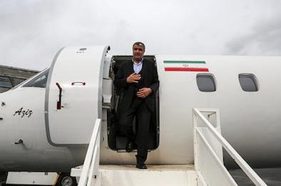 ورود وزیر راه و شهرسازی به فرودگاه زاهدان