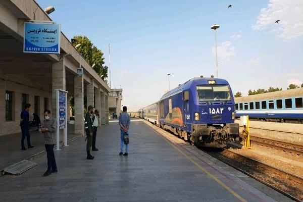 جریمه ابطال بلیت قطار مسافران نوروزی سال جاری پرداخت میشود