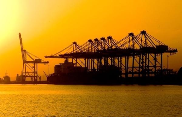 نبض تجارت بین المللی در بندر شهید رجایی تندتر می زند