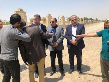 بازدید معاون وزیر راه و شهرسازی از پروژههای در حال اجرای کاشان