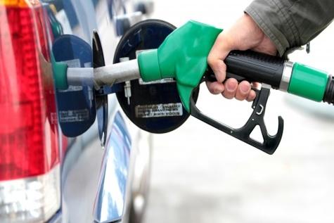 سقوط قیمت بنزین به پایین ترین رقم در دوسال گذشته