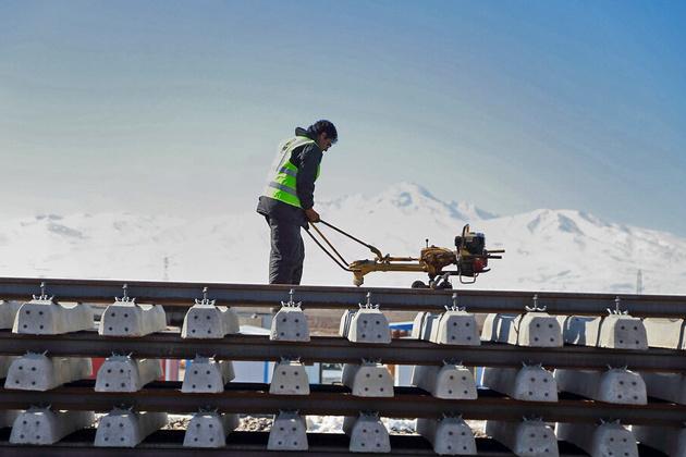 پروژه راه آهن اردبیل - میانه تا ۱۴۰۰ به اتمام میرسد