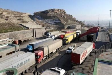 ماهانه 28 هزار خودرو باری از مرزهای آذربایجان غربی تردد می کند