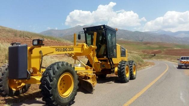 بهکارگیری 80 تن آسفالت جهت لکهگیری و روکش محورهای روستایی بخش الموت