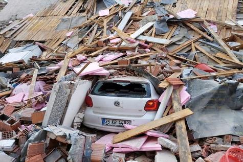 گزارش تصویری| زلزله شدید در ازمیر ترکیه