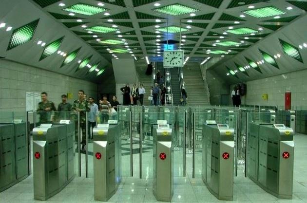 نخستین موزه فرش در متروی تهران به بهرهبرداری رسید