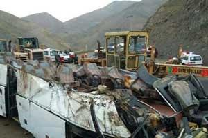 پنج مصدوم در حادثه واژگونی اتوبوس