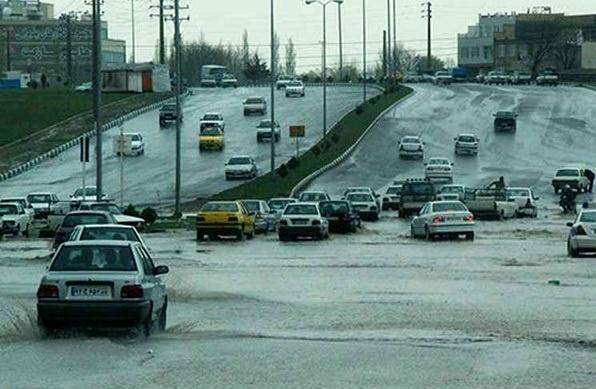 بارش برف وباران در محورهای شمالی/ترافیک درمحورهای منتهی به پایتخت