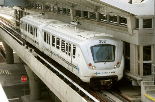 RFI launched for New York LaGuardia Airport rail link