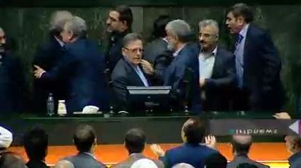 تنش در مجلس هنگام گزارش «سیف» از بازار ارز