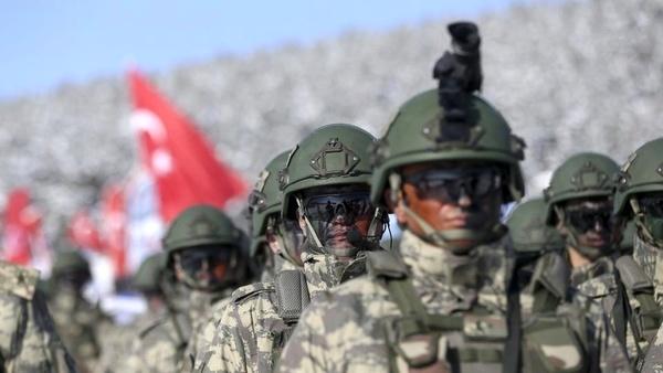 کشته و زخمی شدن ۱۵ سرباز ترکیه در پی سرنگونی یک اتوبوس