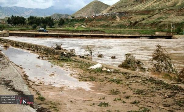 تخریب پل ارتباطی دو روستای شهرستان کوهرنگ