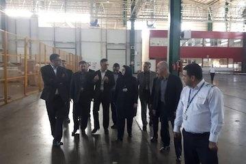 بازدید شرفبافی از واحدهای مختلف ایرانایر در شهر فرودگاهی امام