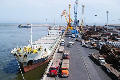 توقف صدور مجوز خروج خدمه کشتیهای خارجی در بندر امام