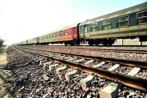 هشدار نسبت به فرونشست سه متری در برخی نقاط مسیر راهآهن تهران - مشهد