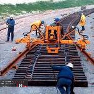 بهرهبرداری از راهآهن چهارمحال و بختیاری کمک به حمل و نقل کشور است