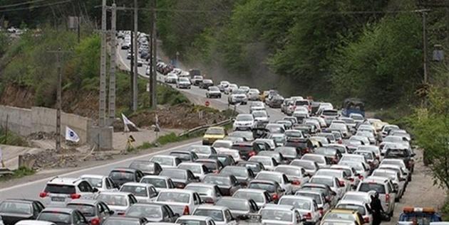 ترافیک فوق سنگین در محور هراز/ پسزدگی چند کیلومتری بار ترافیکی در هراز و فیروزکوه