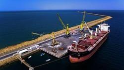 آغاز عملیات اجرایی پروژه دایک حفاظت ساحلی در بندر چابهار