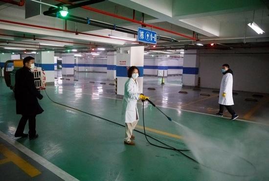 ببینید | عملیات بزرگ سمپاشی خیابانها در چین