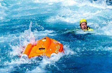 ابداع قایق نجاتی که از راه دور هدایت میشود + تصاویر