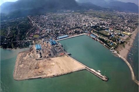 تفاهمنامه برای سرمایه گذاری ۴۵۰میلیون دلاری ایتالیا در بندرامیرآباد