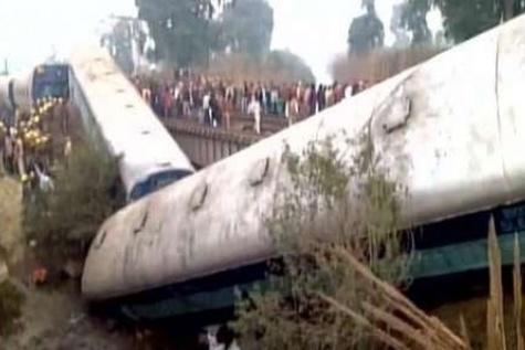 ۲ کشته و ۶۵ مصدوم در سانحه خروج قطار از ریل در هند