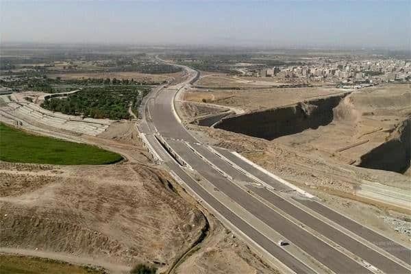 پخش و اجرای ۶۳۰۰ تن بتن غلتکی در پروژه های بزرگراهی شهر تهران