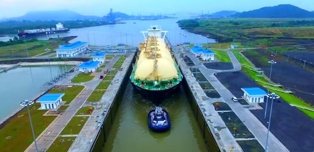 عبور چهار حامل LNG از کانال پاناما در یک روز