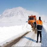 بارش برف مسیر ارتباطی بجنورد- اسفراین را بست