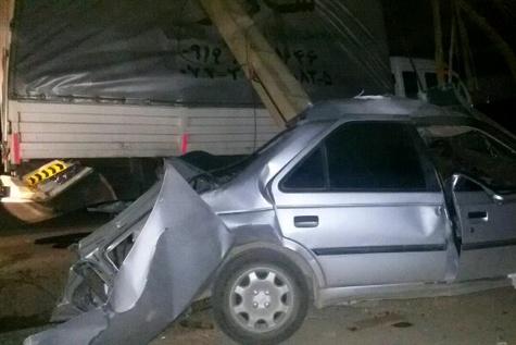 مصدومیت 5 نفر بر اثر تصادف تریلی و ۴۰۵
