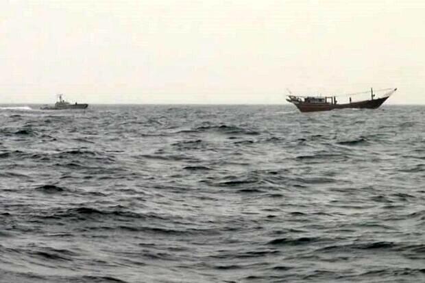 یک لنج در نزدیکی بندر عامری غرق شد/ نجات ۵ سرنشین