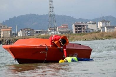 مانور جستجو و نجات دریایی در بندر مرزی آستارا برگزار شد