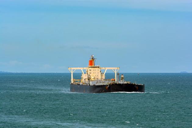 Saudi Arabia Suspends Oil Exports Through Bab-el-Mandeb Strait After Houthi Attacks