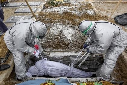 قبر یک فوت شده بر اثر کرونا در ساری، از فاصله نزدیک