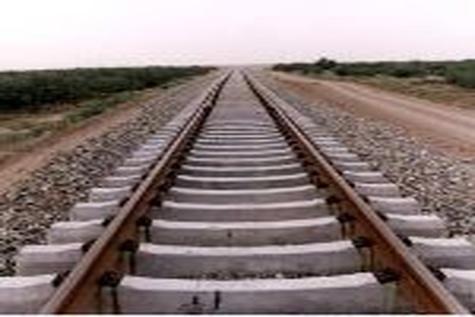 سوت قطار در ایستگاه راهآهن رشتخوار به صدا در میآید