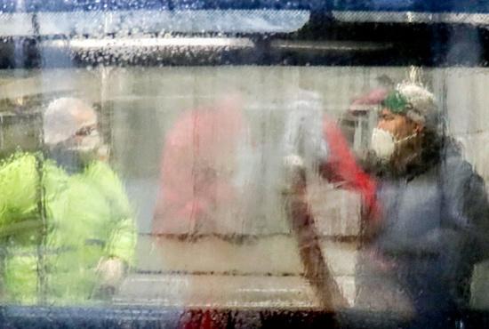 تصاویر| شستشوی اتوبوس های شهری اراک برای پیشگیری از کرونا
