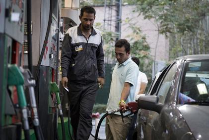 اینفوگرافی  سهمیه بنزین انواع خودرو در ماه چقدر است؟