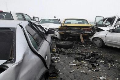 تصادف زنجیره ای در شیراز /١١ نفر مصدوم شدند