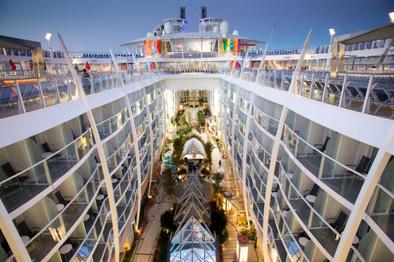 رقابت برای جذب مسافر؛ شگفتانگیزترین کشتیهای کروز دنیا را ببینید