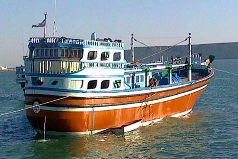 نجات چهار صیاد از طوفان دریای عمان