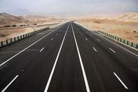 مشکل آزادراه خرمآباد به اراک برطرف شود