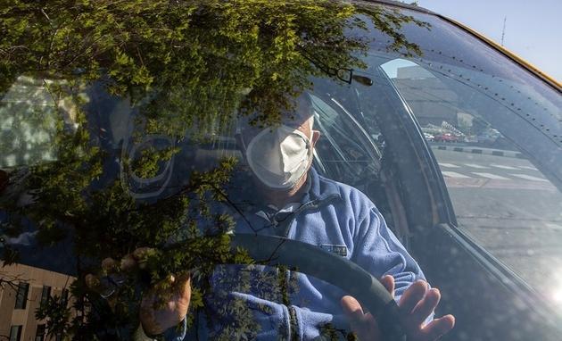 رانندگان ناوگان حمل و نقل عمومی ملزم به استفاده از ماسک هستند