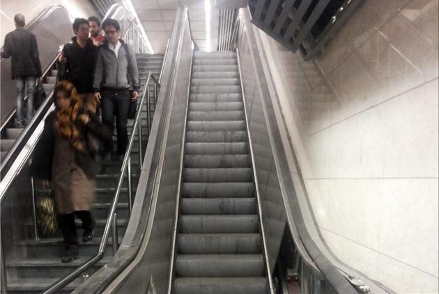 نصب 10  دستگاه پله برقی ایستگاه محلاتی مترو تهران
