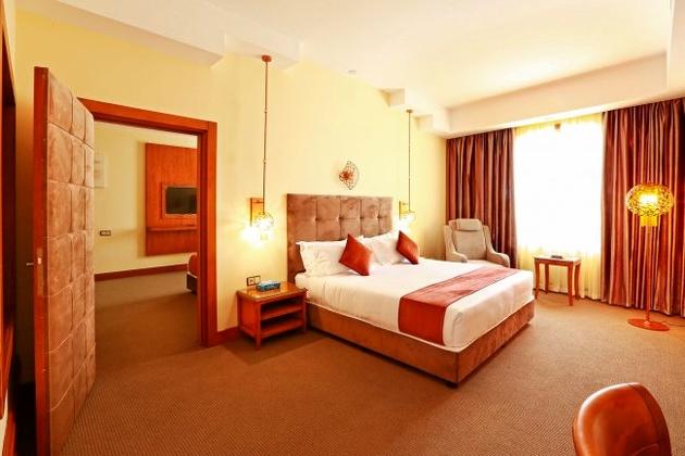 تعطیلی مطلق ۶۰ درصدِ هتلهای مشهد